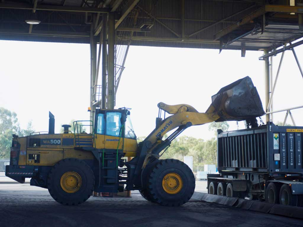 ore-concentrate-truck-feb-2015-6